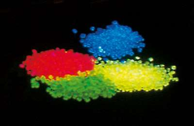 UV-Granulat , rot, 250g Leuchtgranulat aus PMMA Granulat Schwarzlicht